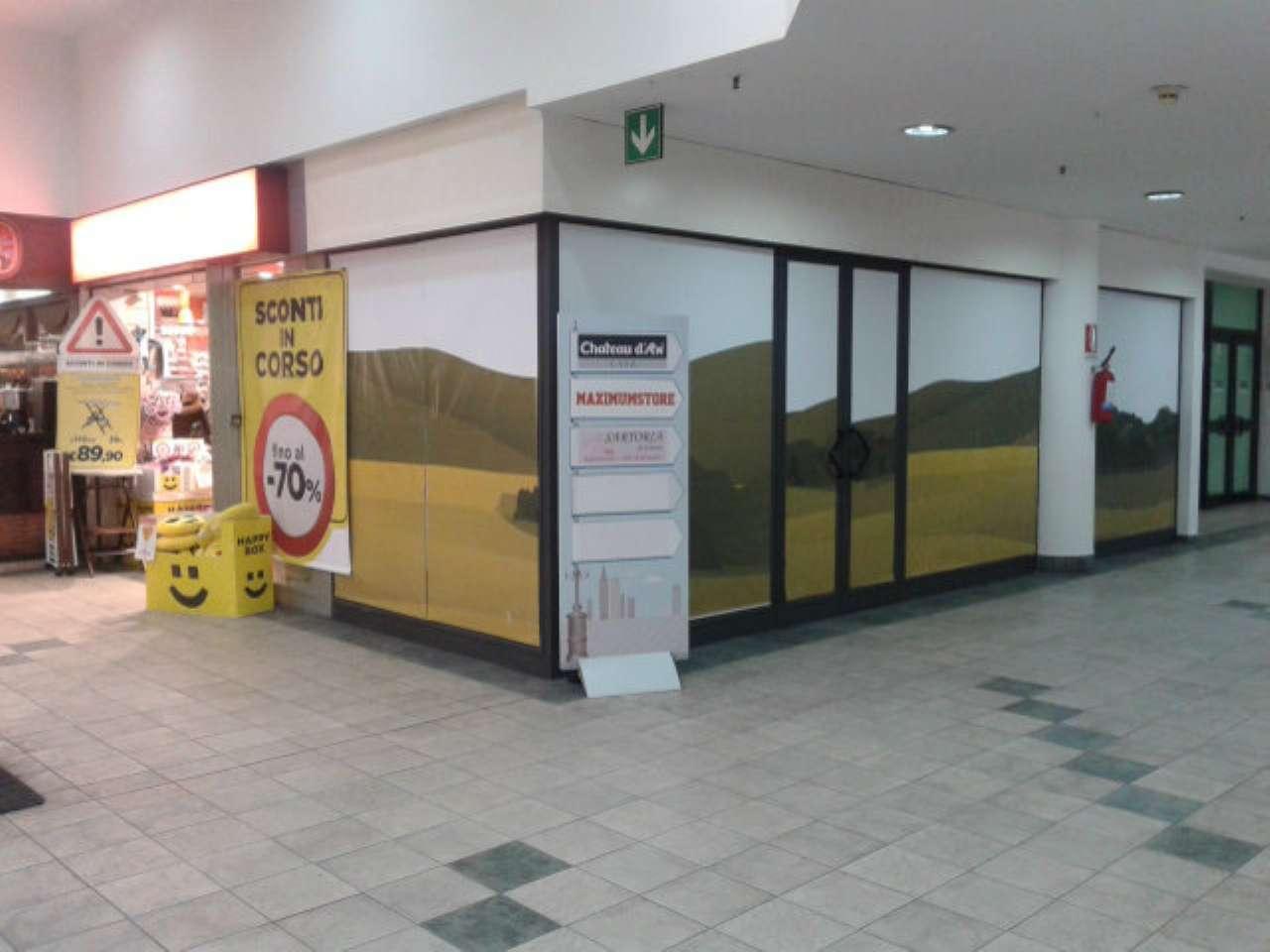 Negozio / Locale in vendita a Varese, 1 locali, prezzo € 160.000 | CambioCasa.it