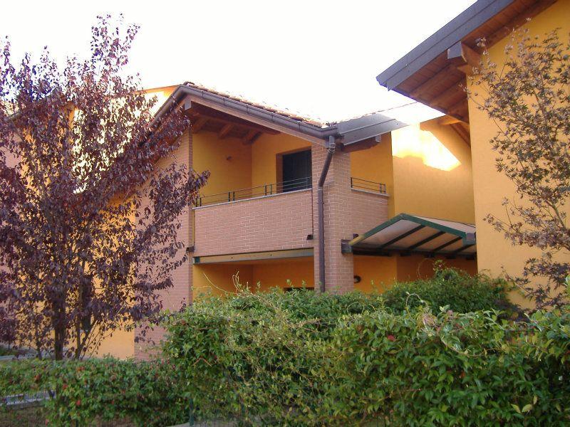 Villa a Schiera in affitto a Gazzada Schianno, 9999 locali, prezzo € 900 | Cambio Casa.it