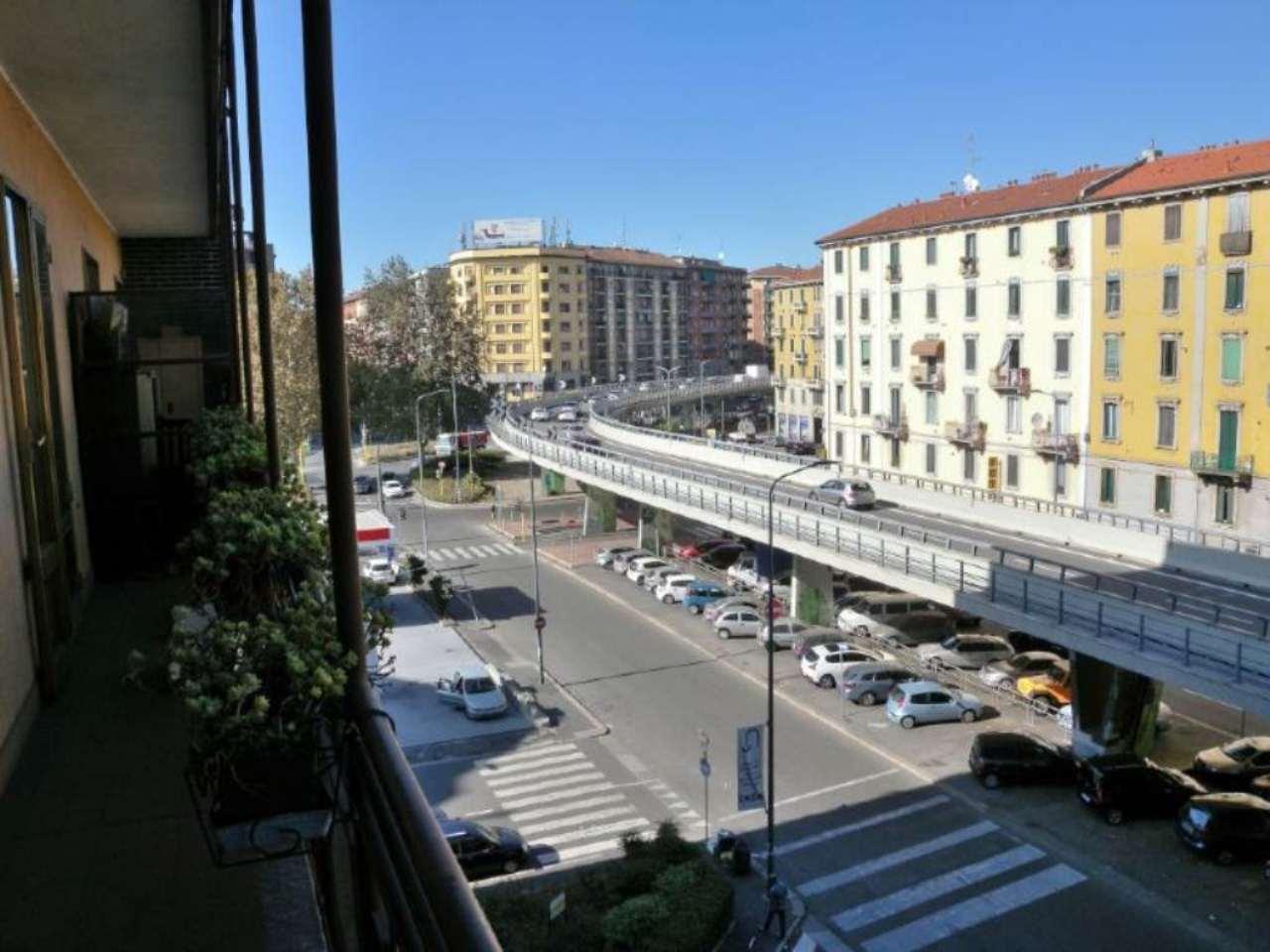 Bilocale Milano Via Marochetti 12