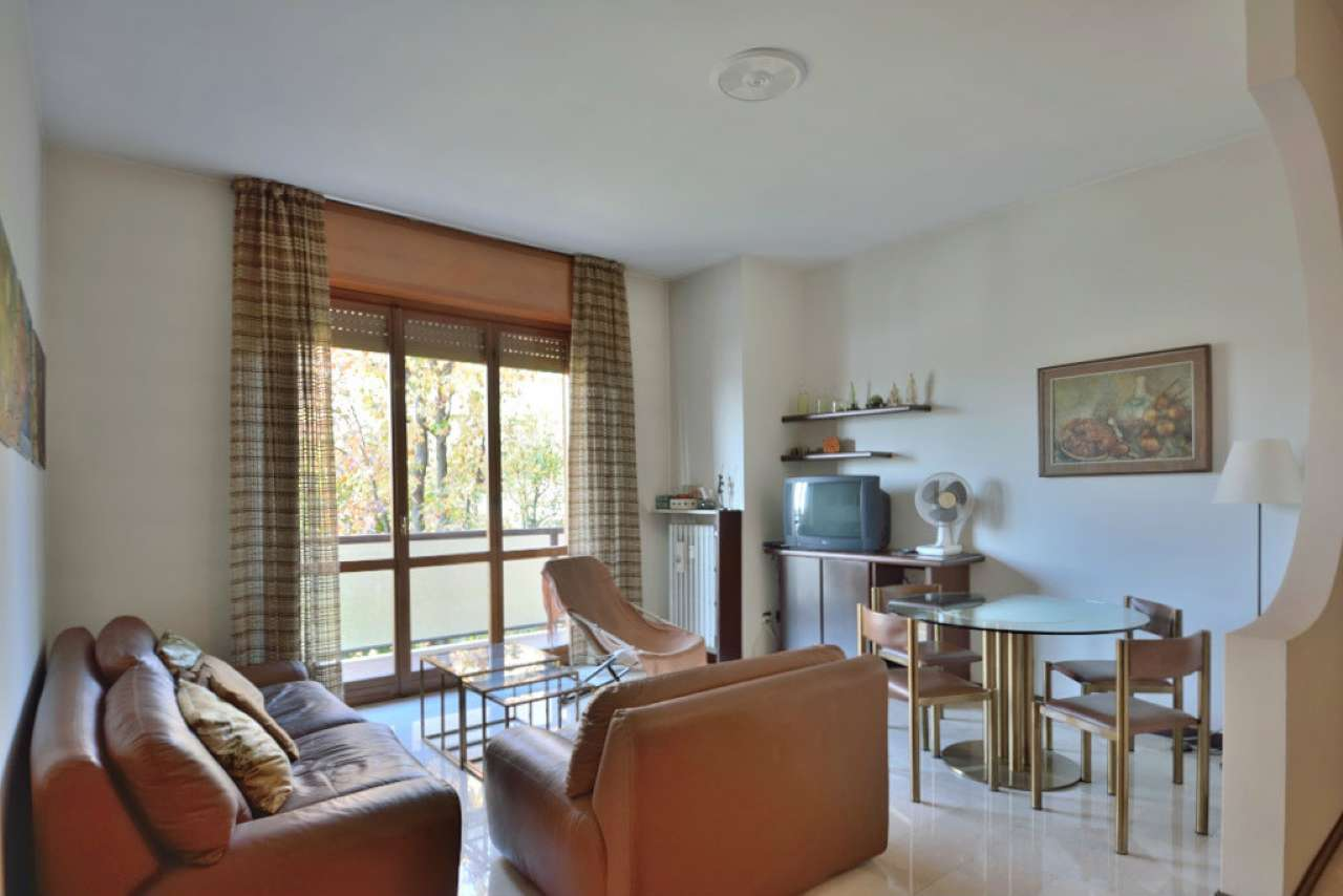Appartamento in Vendita a Monza: 2 locali, 77 mq