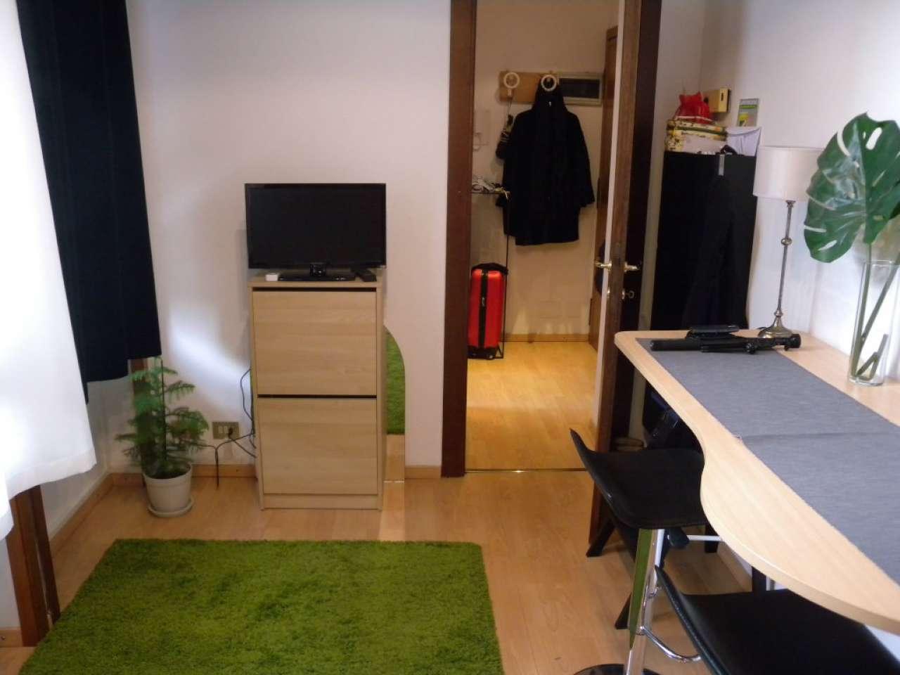 Appartamento in affitto a milano via napo torriani for Appartamento design affitto milano