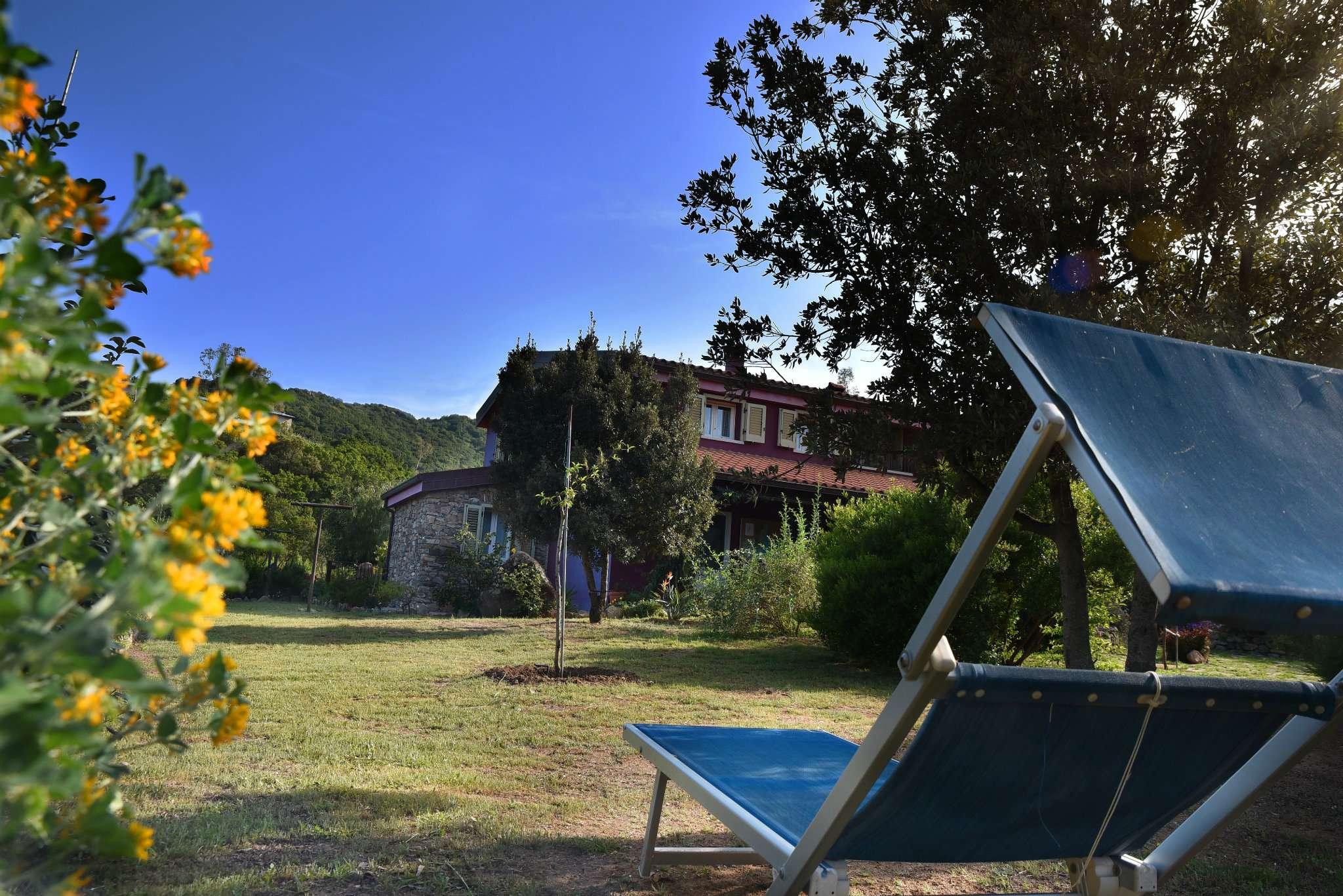 Villa in Vendita a Castiadas: 5 locali, 780 mq