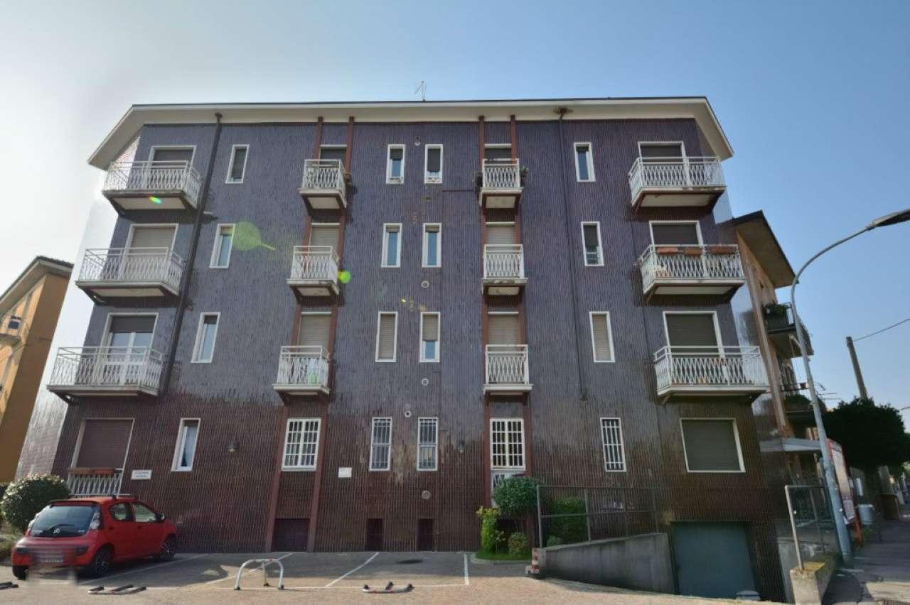 Magazzino in Vendita a Cormano Periferia: 2 locali, 150 mq