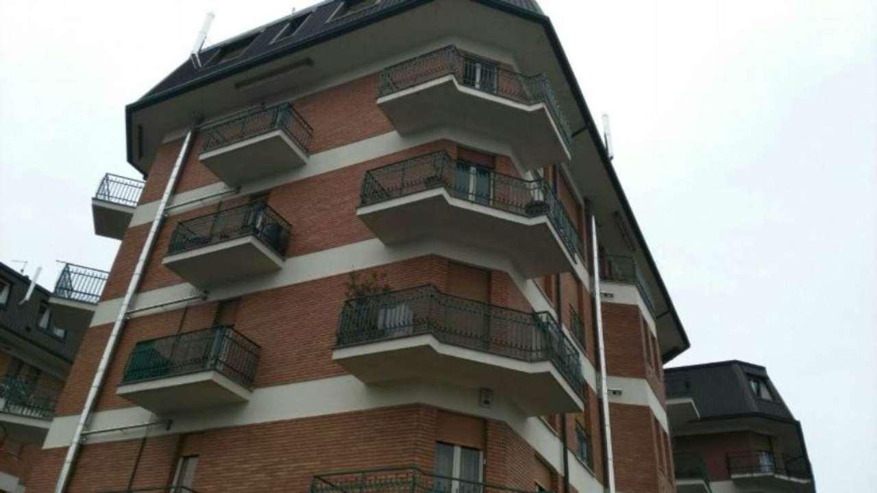Appartamento in vendita a Albiate, 3 locali, prezzo € 85.000   Cambio Casa.it