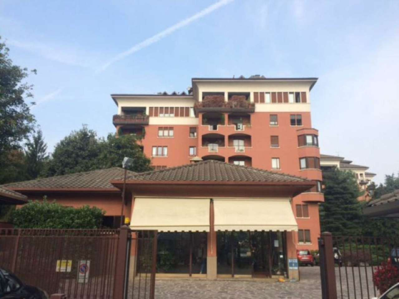 Appartamento in vendita a Vedano al Lambro, 6 locali, prezzo € 550.000 | Cambio Casa.it