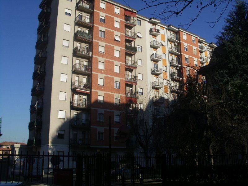 Bilocale Cinisello Balsamo Via C. Villa 2