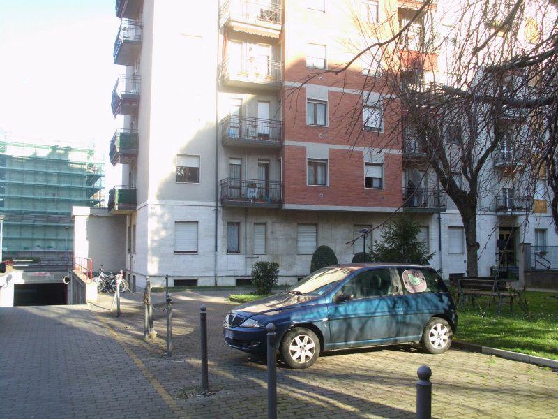 Bilocale Cinisello Balsamo Via C. Villa 1