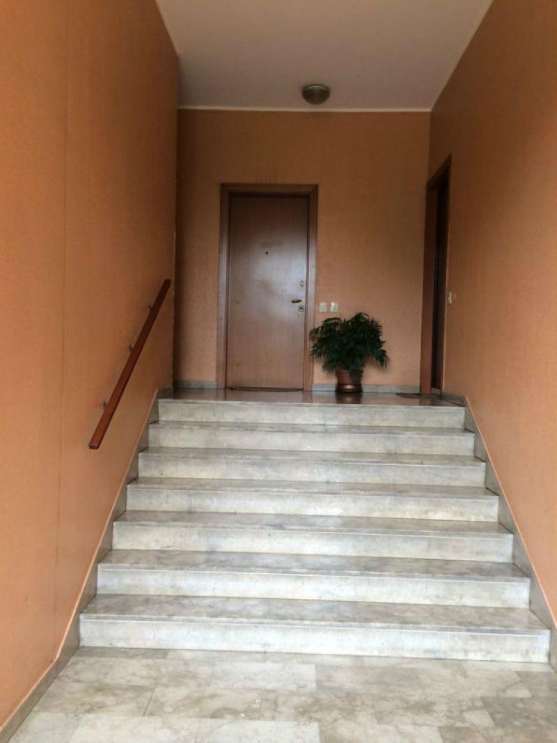 Bilocale Limbiate Via Bramante 9