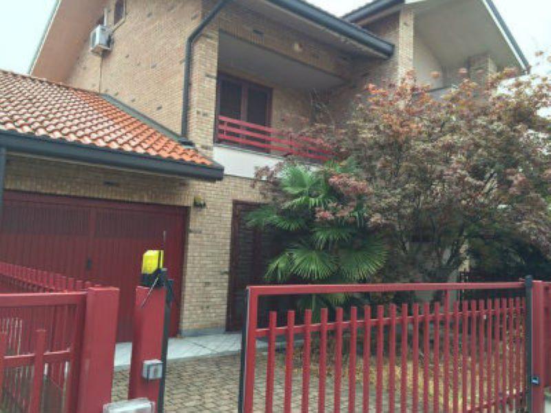 Villa Bifamiliare in Vendita a Paderno Dugnano