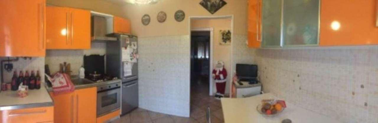 Appartamento in vendita a Nova Milanese, 4 locali, prezzo € 185.000 | Cambio Casa.it