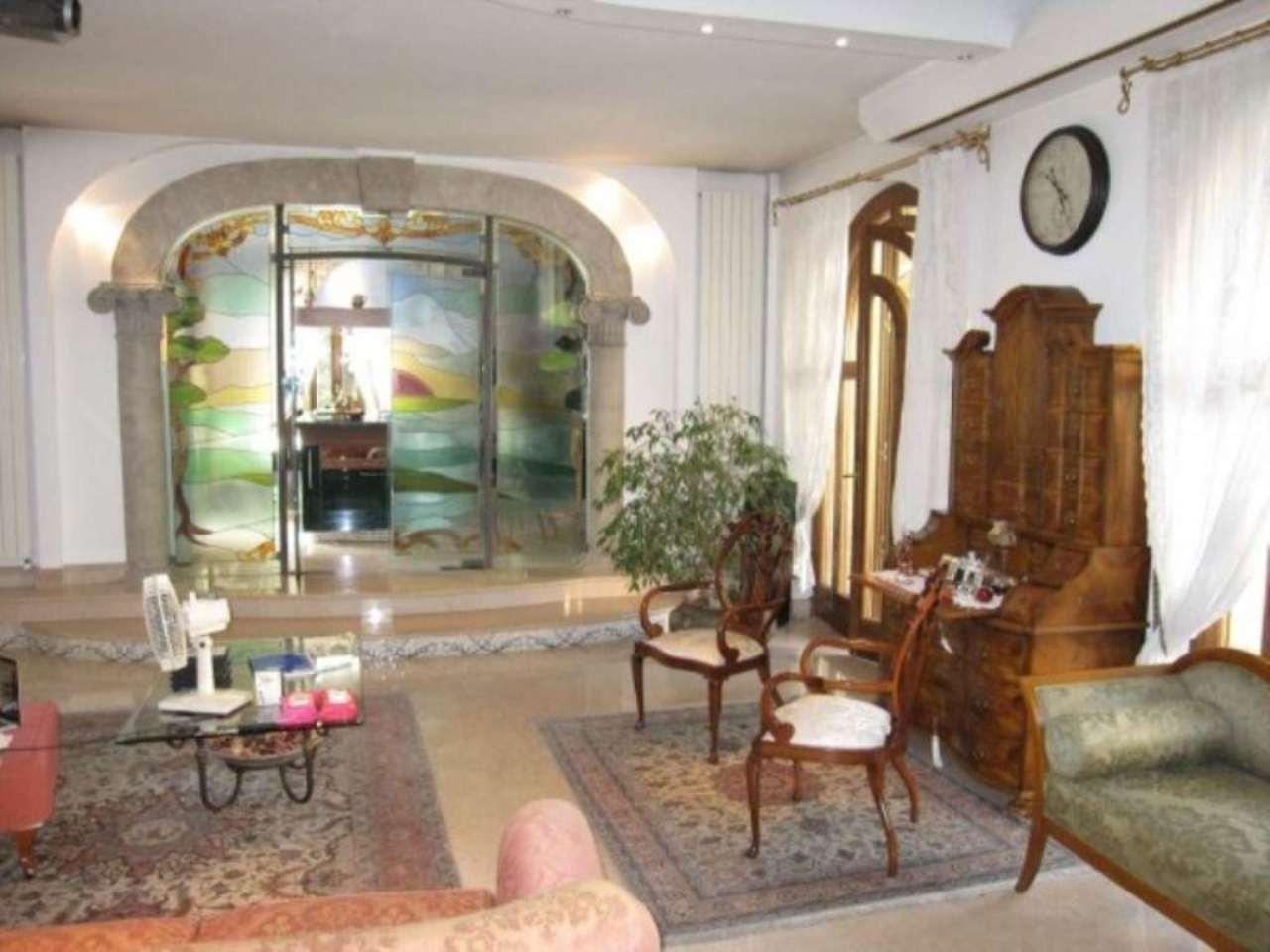 Villa in vendita a Nova Milanese, 6 locali, prezzo € 1.950.000 | Cambio Casa.it