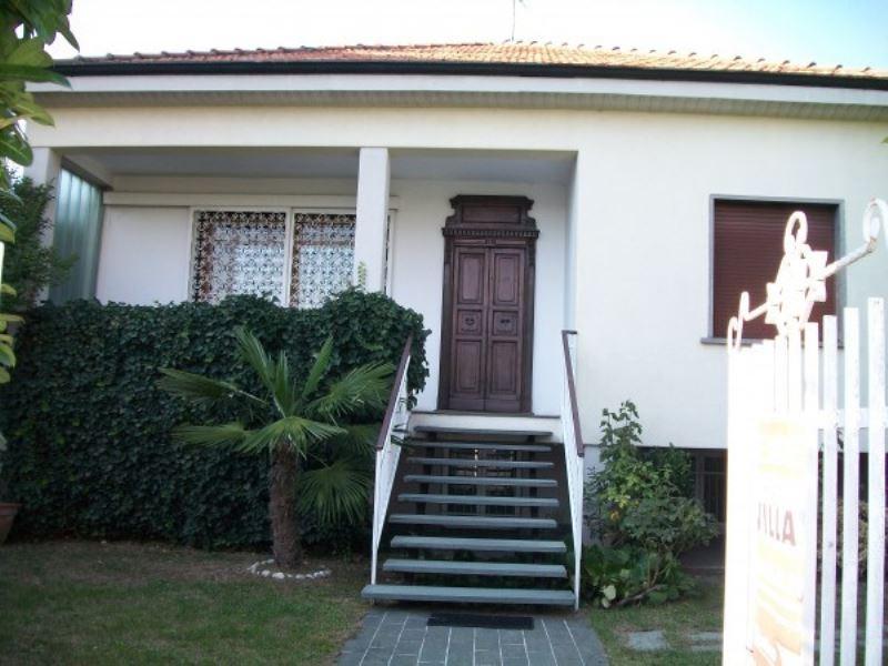 Villa in vendita a Nova Milanese, 4 locali, prezzo € 440.000 | Cambio Casa.it