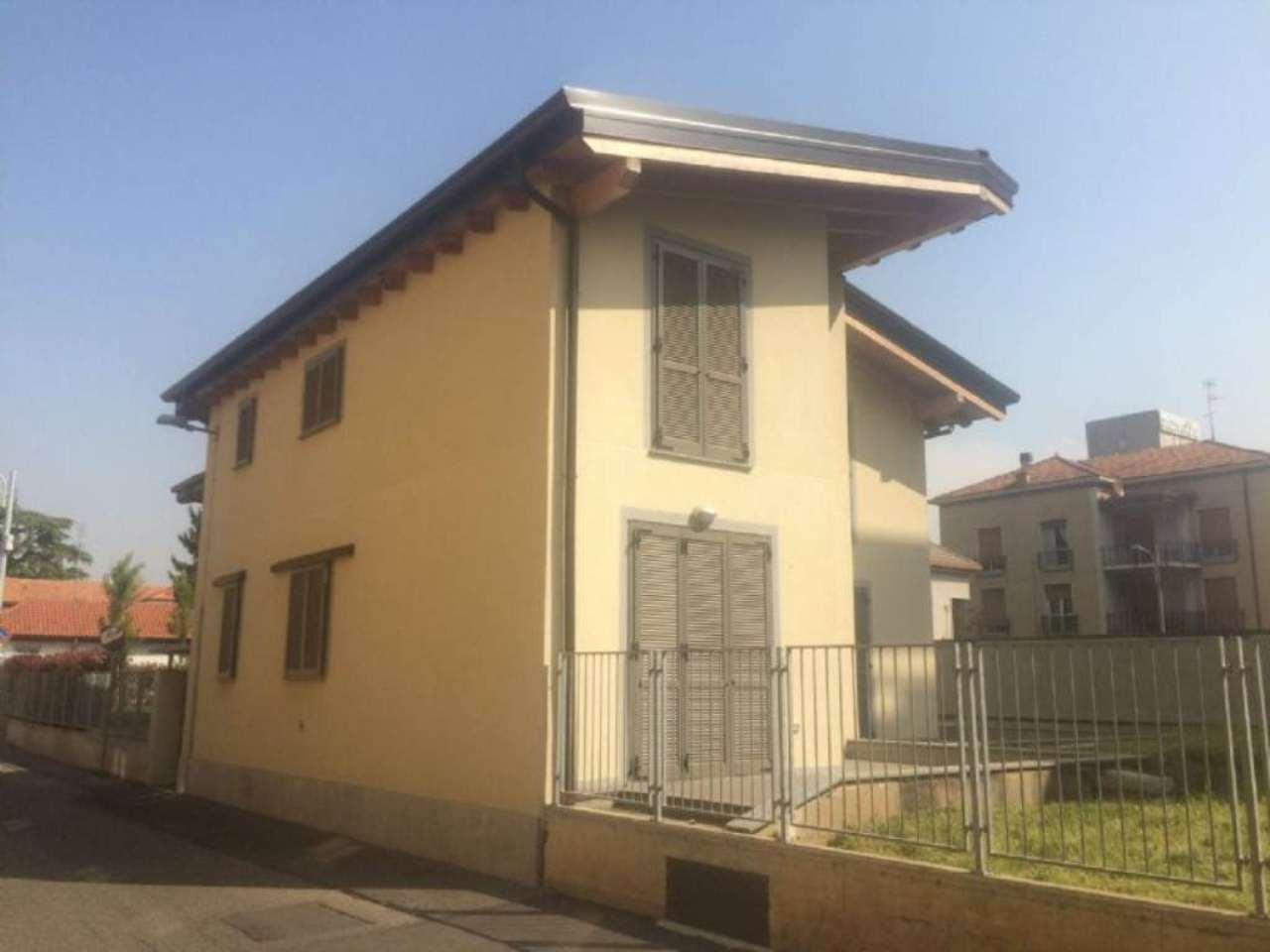 Villa in vendita a Nova Milanese, 3 locali, prezzo € 224.000 | Cambio Casa.it