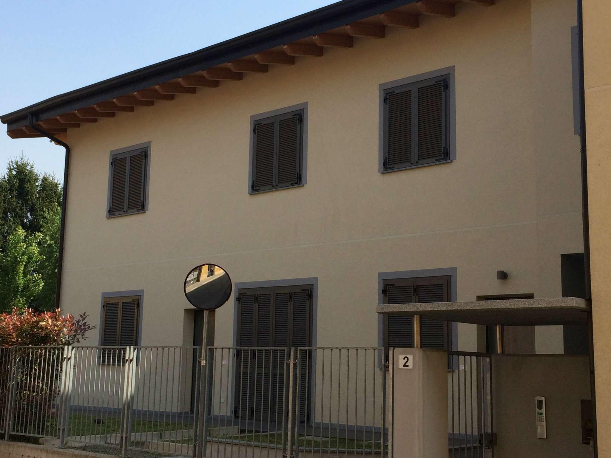 Villa in vendita a Nova Milanese, 2 locali, prezzo € 156.000 | Cambio Casa.it