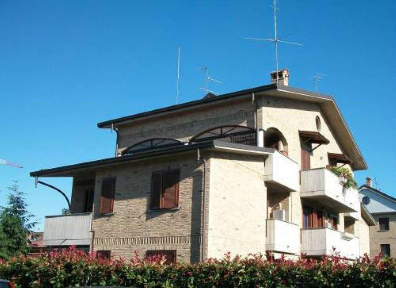 Appartamento in affitto a Nova Milanese, 2 locali, prezzo € 600 | Cambio Casa.it
