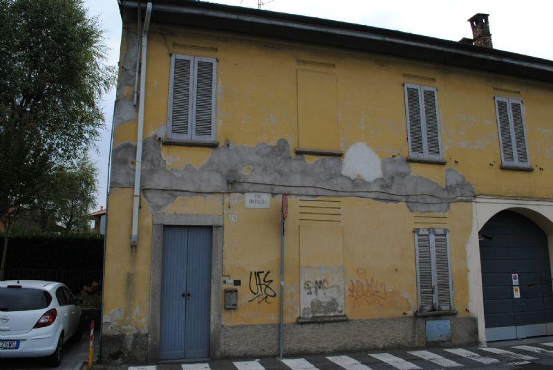 Bilocale Vimercate Via Burago 7