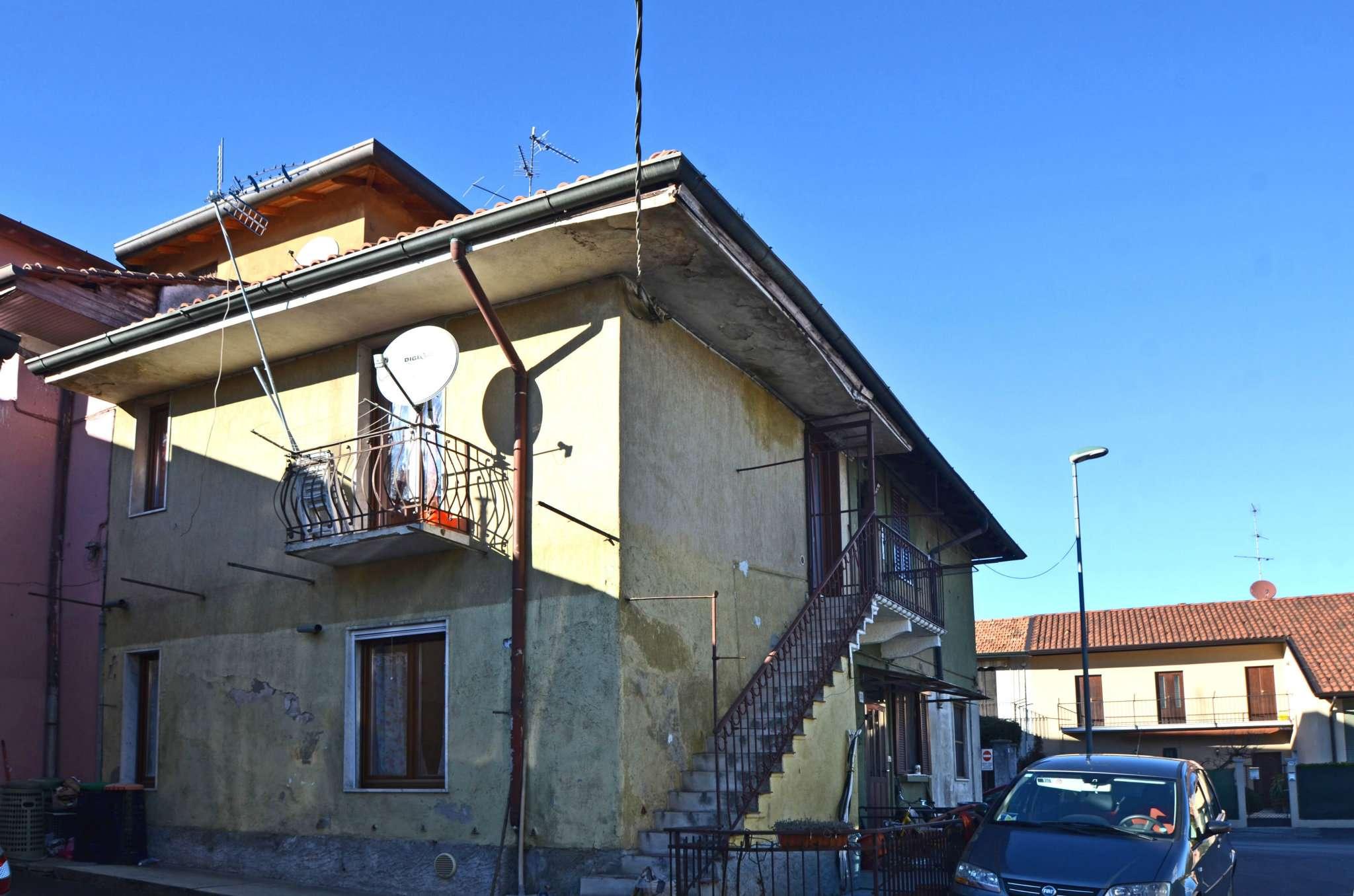 Bilocale Vimercate Via Castello 8