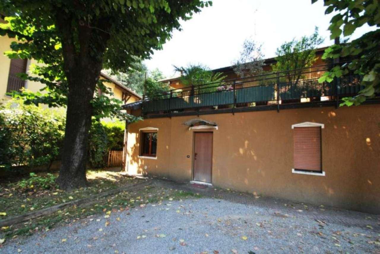 Bilocale Arcore Via Monte Grappa 9