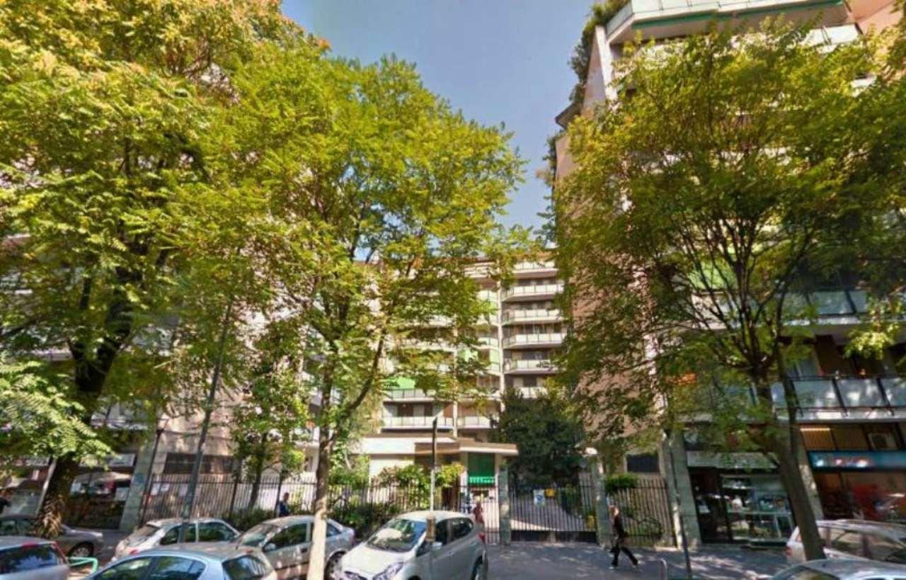 Bilocale Milano Via Morgantini 1