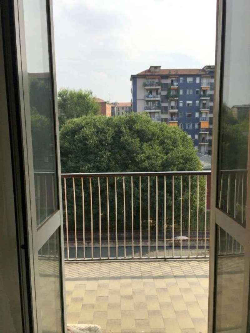 Bilocale Milano Via Debussy 8