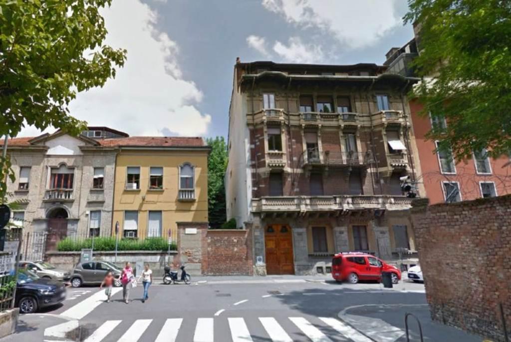 Bilocale Milano Via Pace 1