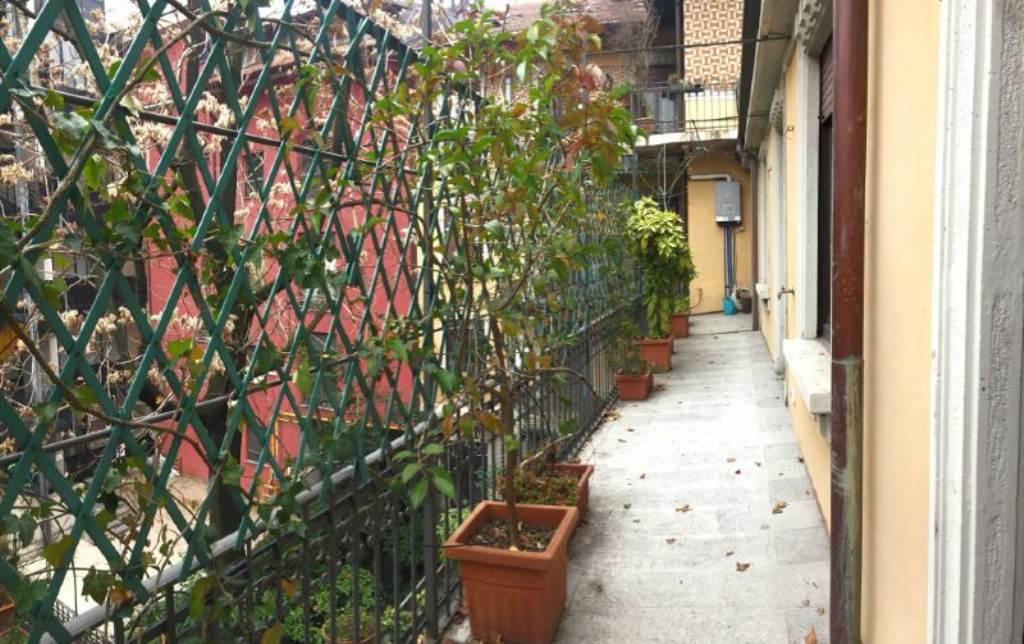 Bilocale Milano Via Pace 4