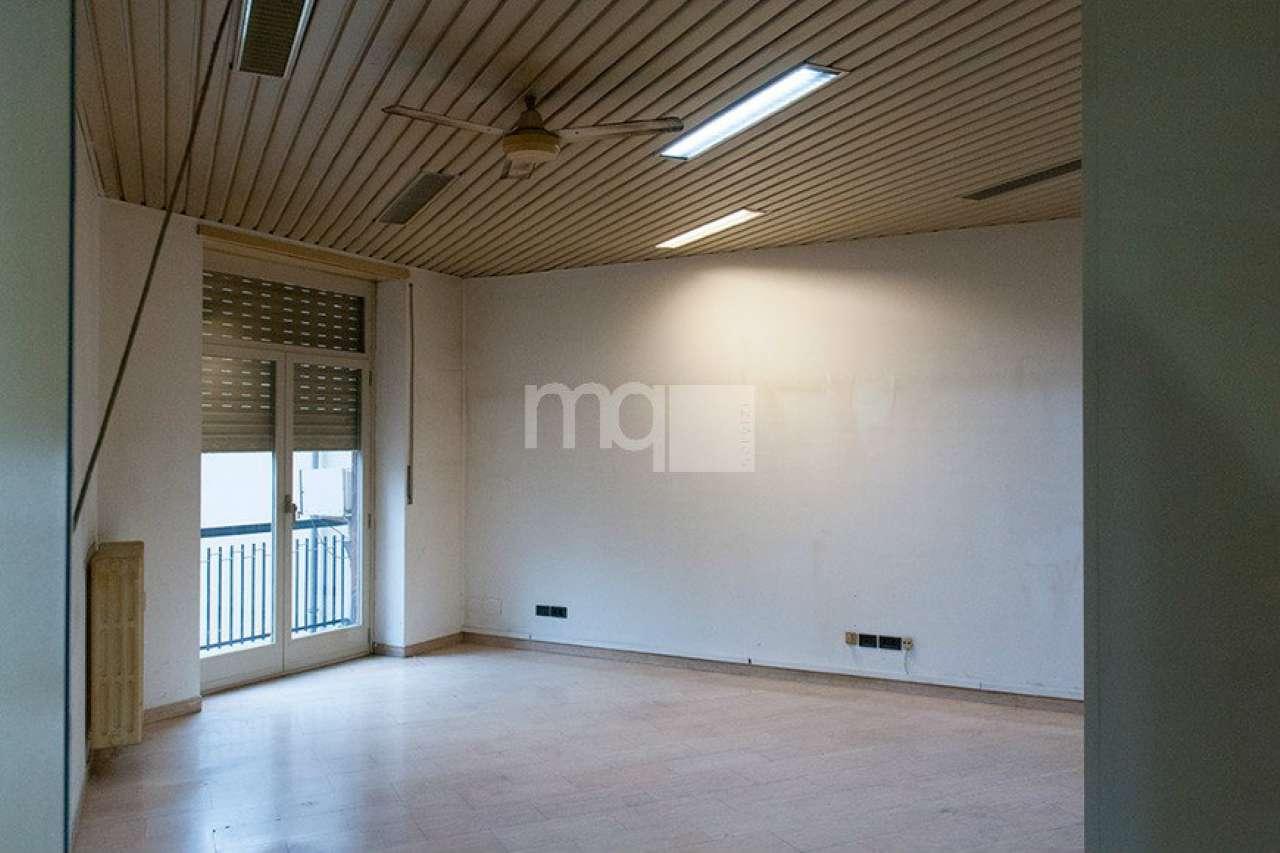 Ufficio / Studio in vendita a Milano, 13 locali, zona Zona: 15 . Fiera, Firenze, Sempione, Pagano, Amendola, Paolo Sarpi, Arena, prezzo € 650.000 | CambioCasa.it