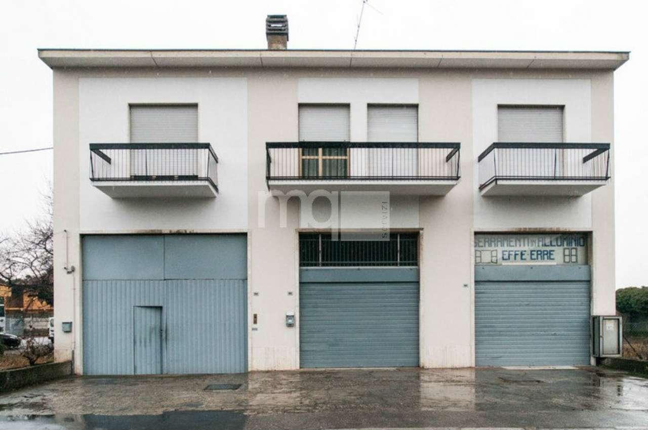 Immobile Commerciale in vendita a Magnago, 10 locali, prezzo € 380.000 | Cambio Casa.it