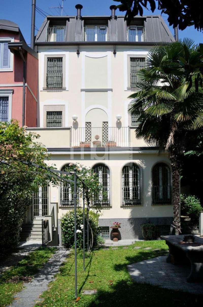 Villa in vendita a Milano, 9 locali, zona Zona: 12 . De Angeli, Vercelli, Washington, Sicilia, S. Michele del Carso, prezzo € 5.800.000 | CambioCasa.it