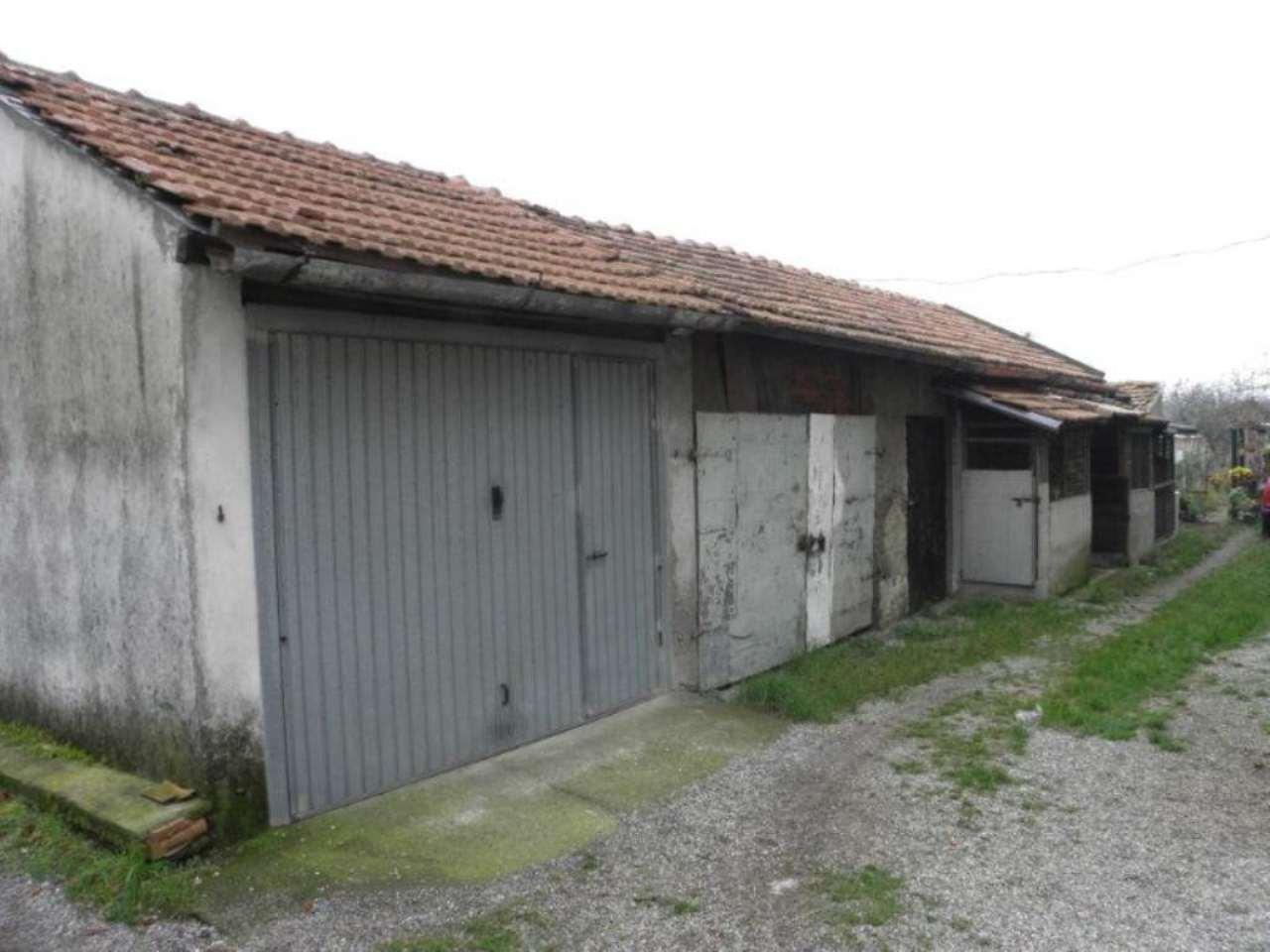 Bilocale Monza Via Ippolito Nievo 6