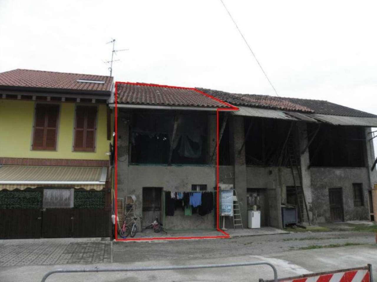 Bilocale Monza Via Ippolito Nievo 3