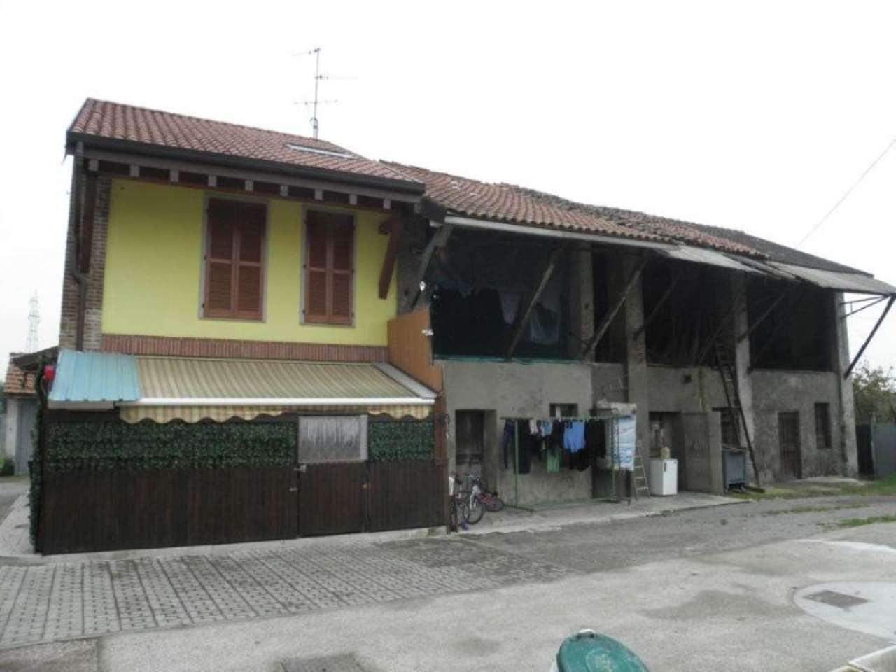 Bilocale Monza Via Ippolito Nievo 5