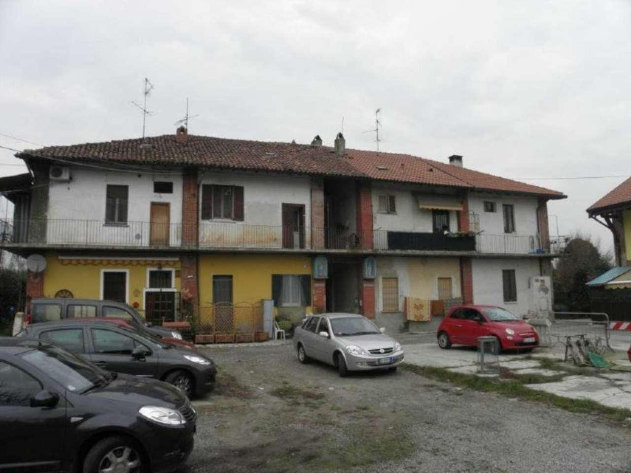 Bilocale Monza Via Ippolito Nievo 2