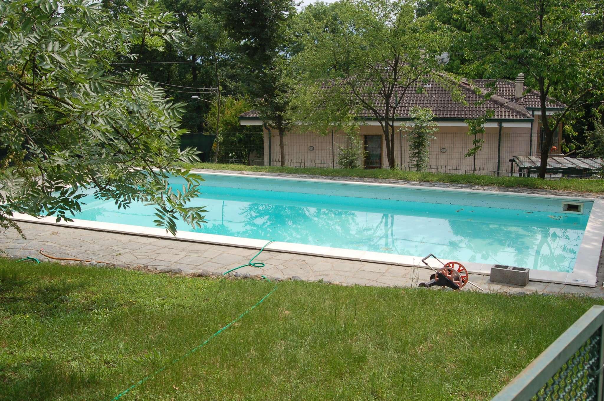 Villa Tri-Quadrifamiliare in Vendita a Almese