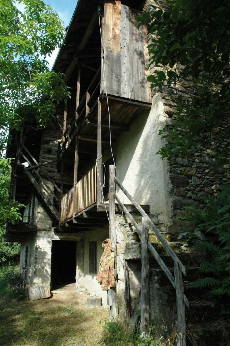 Foto 1 di Rustico via Frazione stretti, frazione Bertesseno, Viù