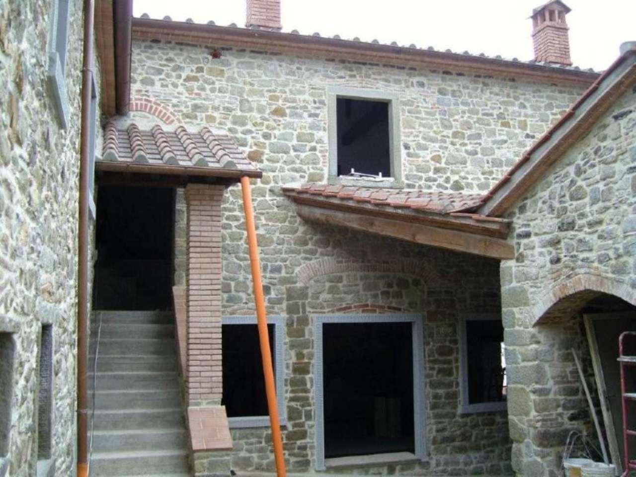 Rustico / Casale in vendita a Pratovecchio Stia, 20 locali, prezzo € 650.000 | Cambio Casa.it