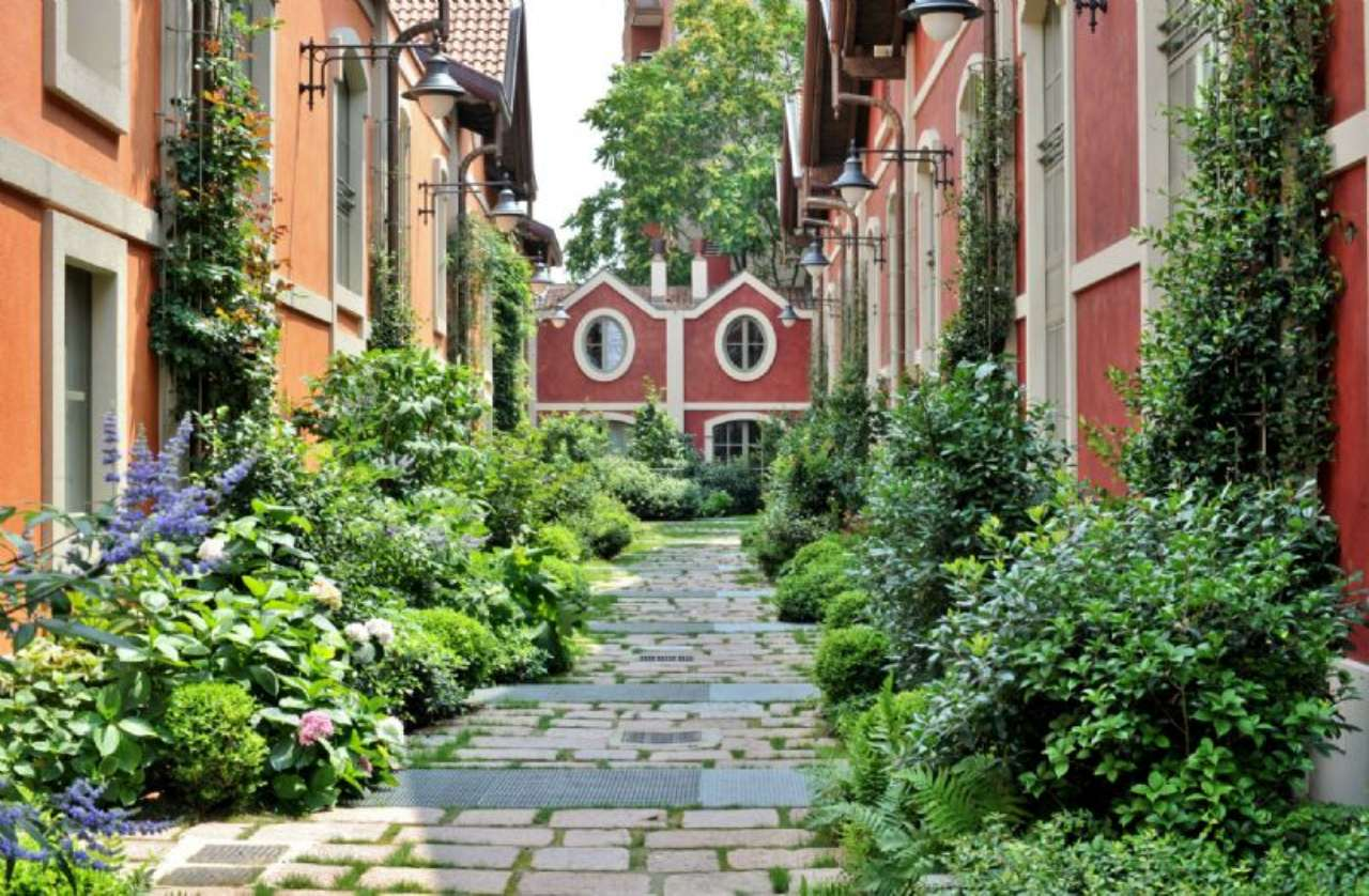 Appartamento con giardino privato a milano for Casa con giardino genova