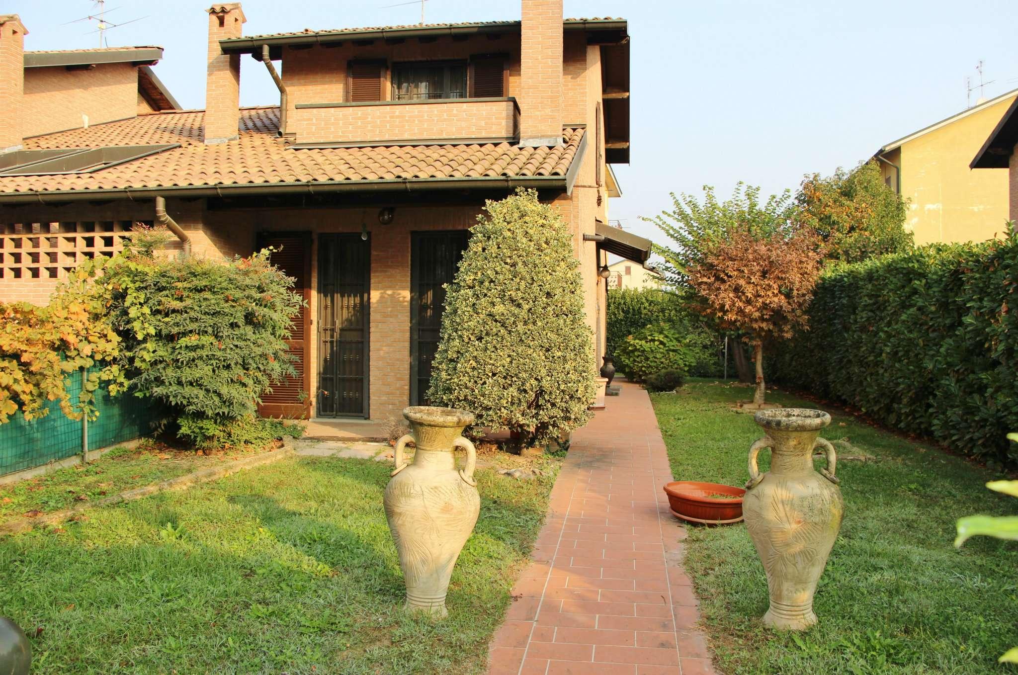 Villa Bifamiliare in vendita a San Zenone al Lambro, 4 locali, prezzo € 320.000 | CambioCasa.it