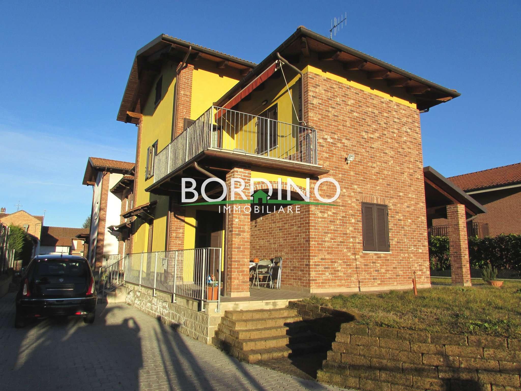 Villa bifamiliare in vendita a Magliano Alfieri (CN)