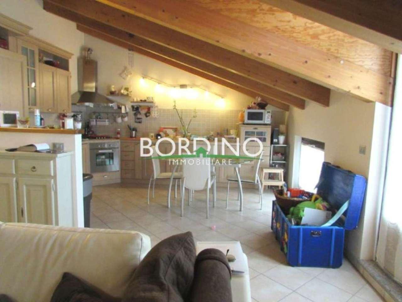 Attico / Mansarda in vendita a Govone, 4 locali, prezzo € 160.000 | Cambio Casa.it