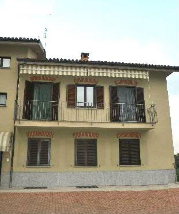 Appartamento in affitto a Govone, 5 locali, prezzo € 350 | Cambio Casa.it
