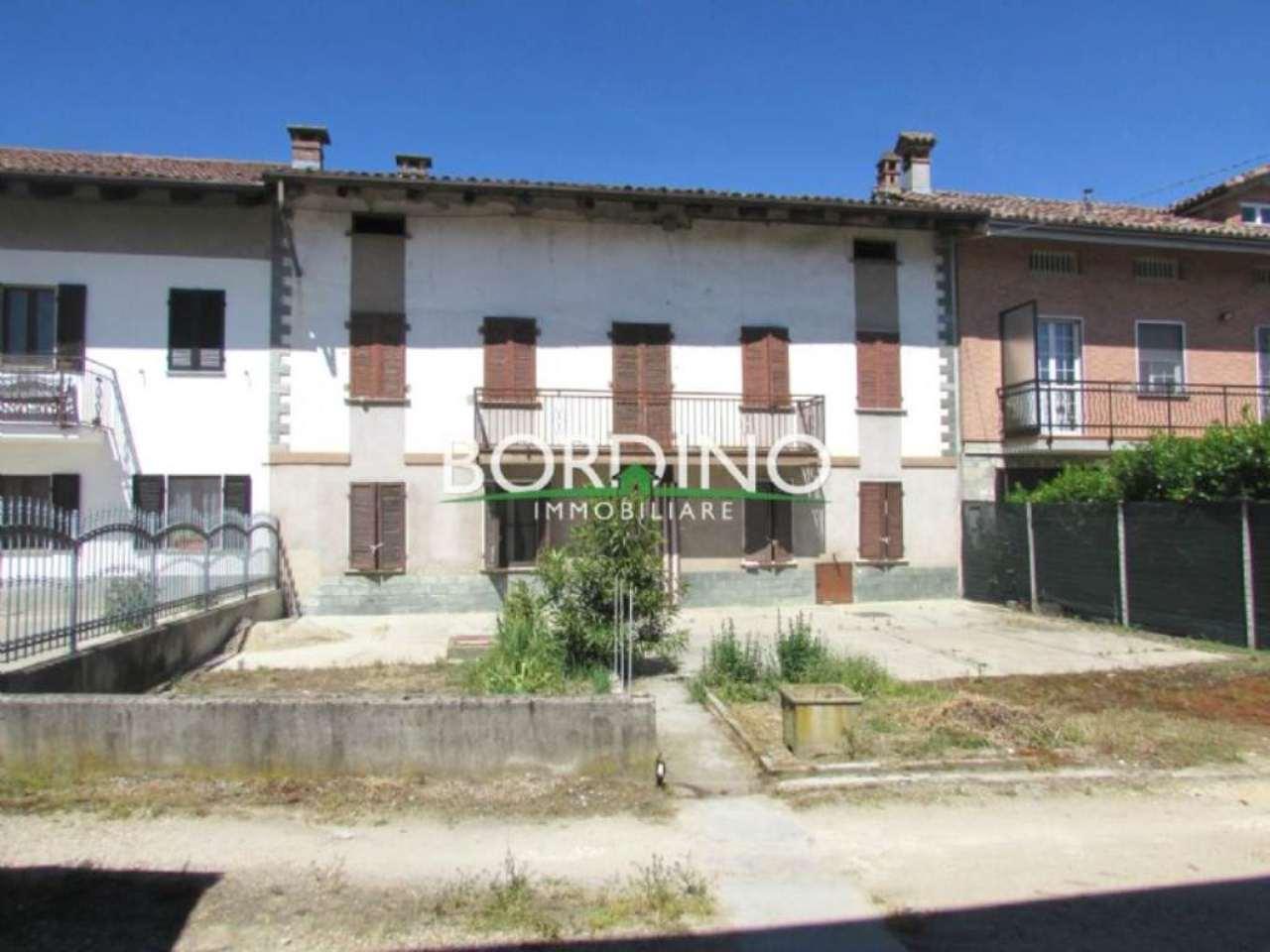 Rustico / Casale in vendita a Govone, 6 locali, prezzo € 50.000 | CambioCasa.it