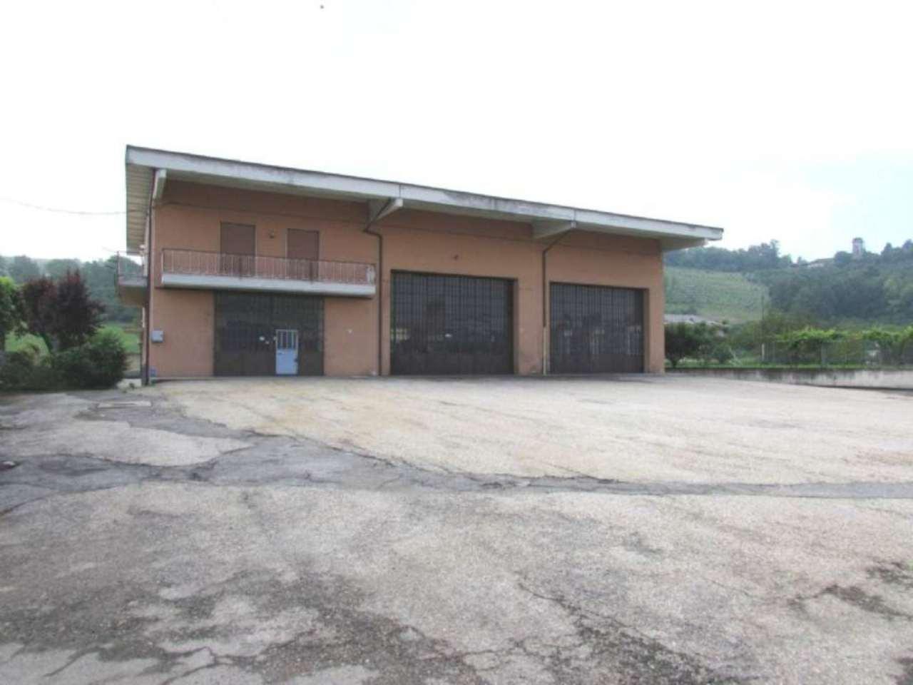Appartamento in vendita a Alba, 5 locali, prezzo € 650.000   CambioCasa.it