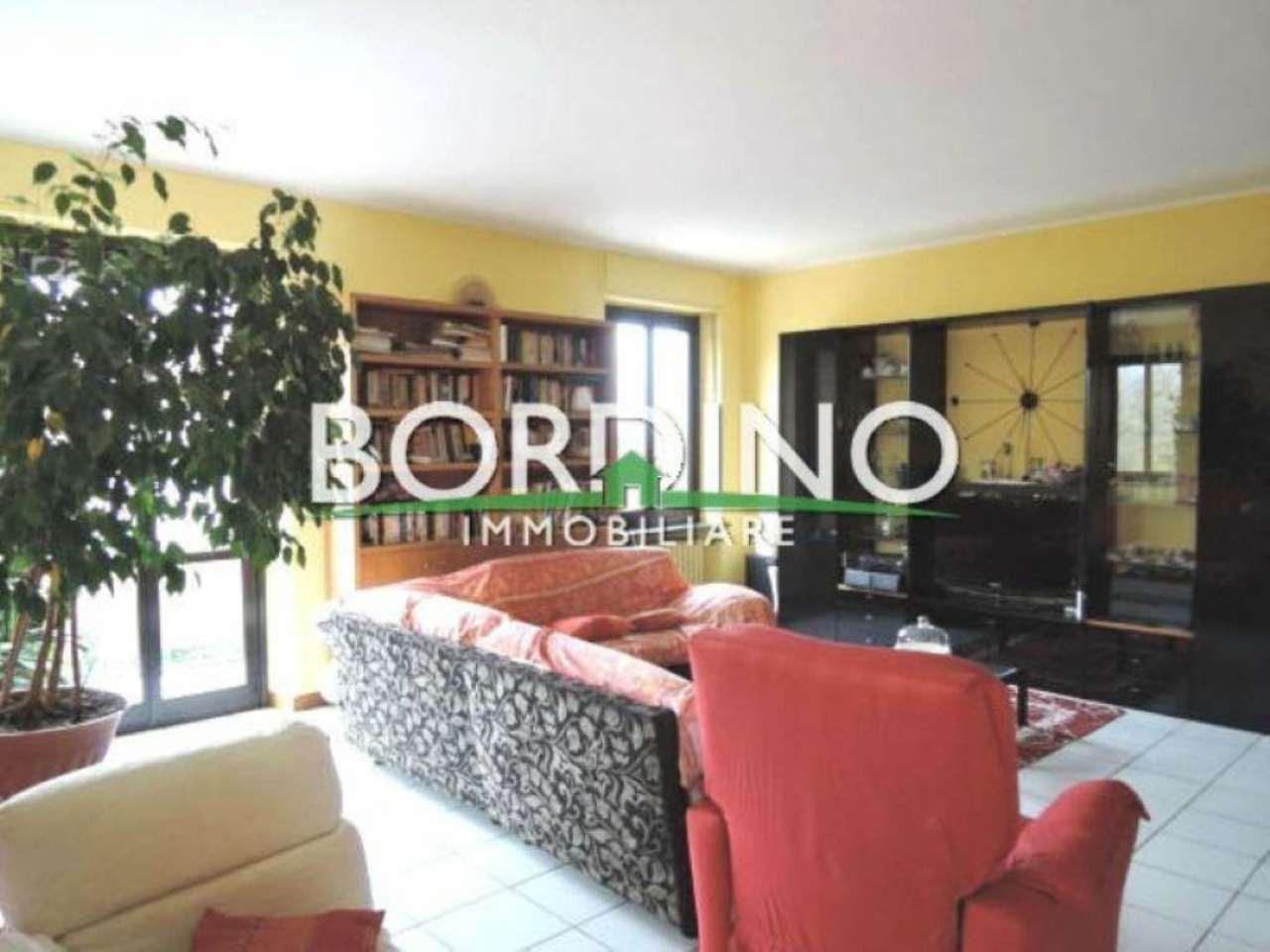 Appartamento in vendita a Alba, 8 locali, prezzo € 295.000 | Cambio Casa.it