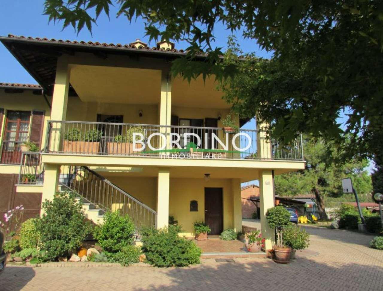 Soluzione Indipendente in vendita a Monticello d'Alba, 8 locali, prezzo € 250.000 | CambioCasa.it