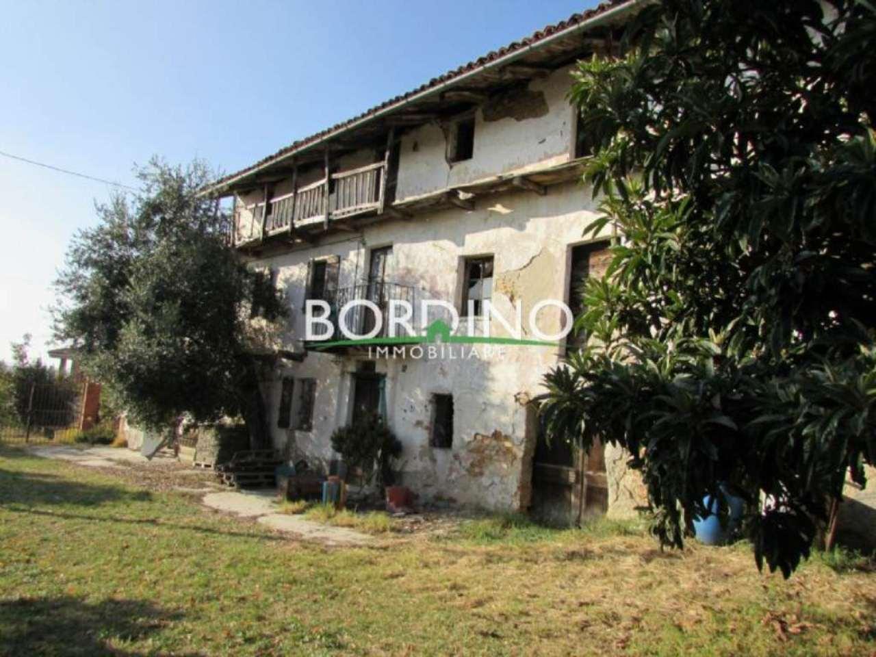Rustico / Casale in vendita a Priocca, 8 locali, prezzo € 140.000 | Cambio Casa.it