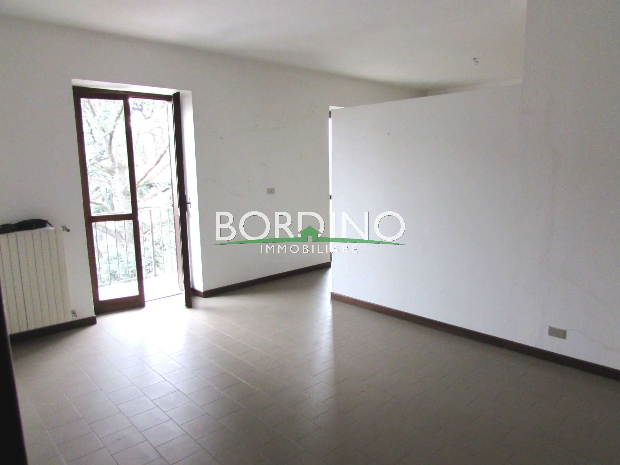 Appartamento in affitto a Govone, 4 locali, prezzo € 350 | Cambio Casa.it