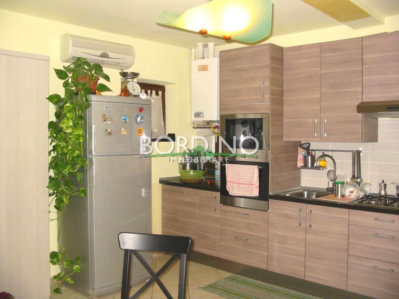Appartamento in vendita a Castagnito, 4 locali, prezzo € 70.000 | CambioCasa.it