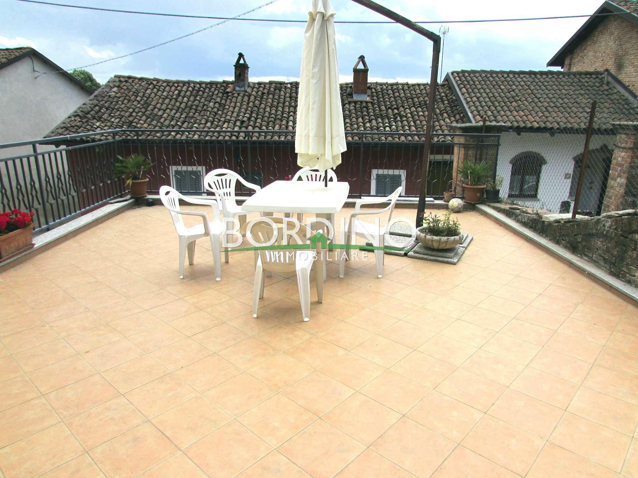 Soluzione Indipendente in affitto a Govone, 4 locali, prezzo € 550 | CambioCasa.it