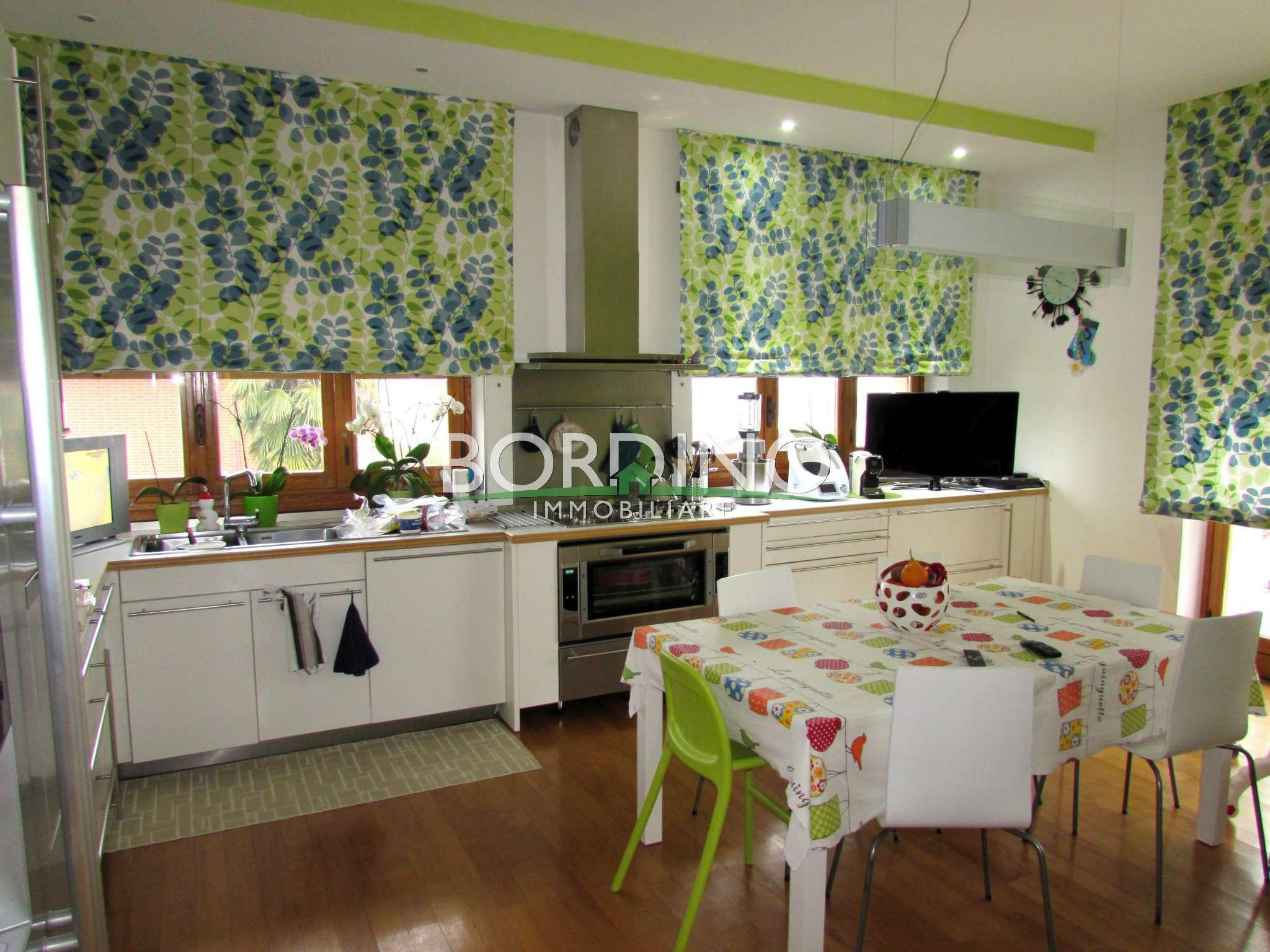 Appartamento in vendita a Sommariva Perno, 6 locali, prezzo € 165.000 | CambioCasa.it